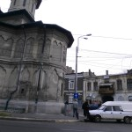 Church vs. Slums: Bukarest