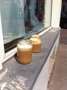 Kaffee im Studio von Mona Lutz